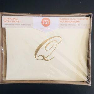 Accessories - Embossed Monogram Note Cards Letter Q